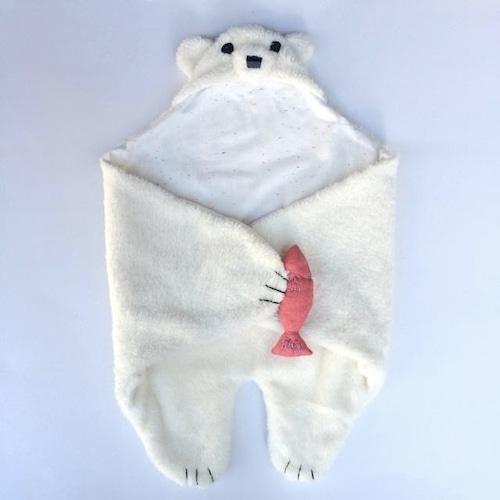 白クマのおくるみ