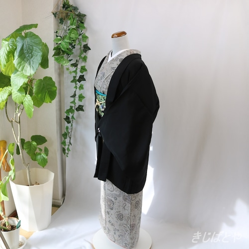 正絹 黒地に菊の羽織