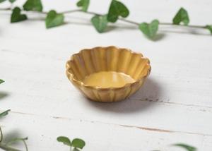 黄釉 輪花 豆鉢/石塚操