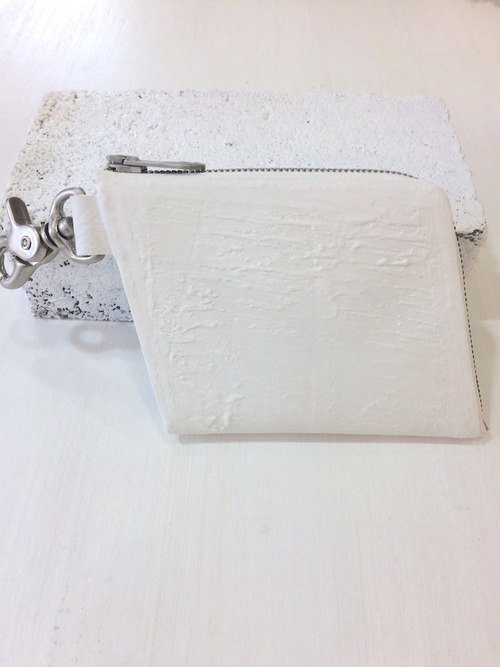 Kagari Yusuke カラビナ付き財布 White