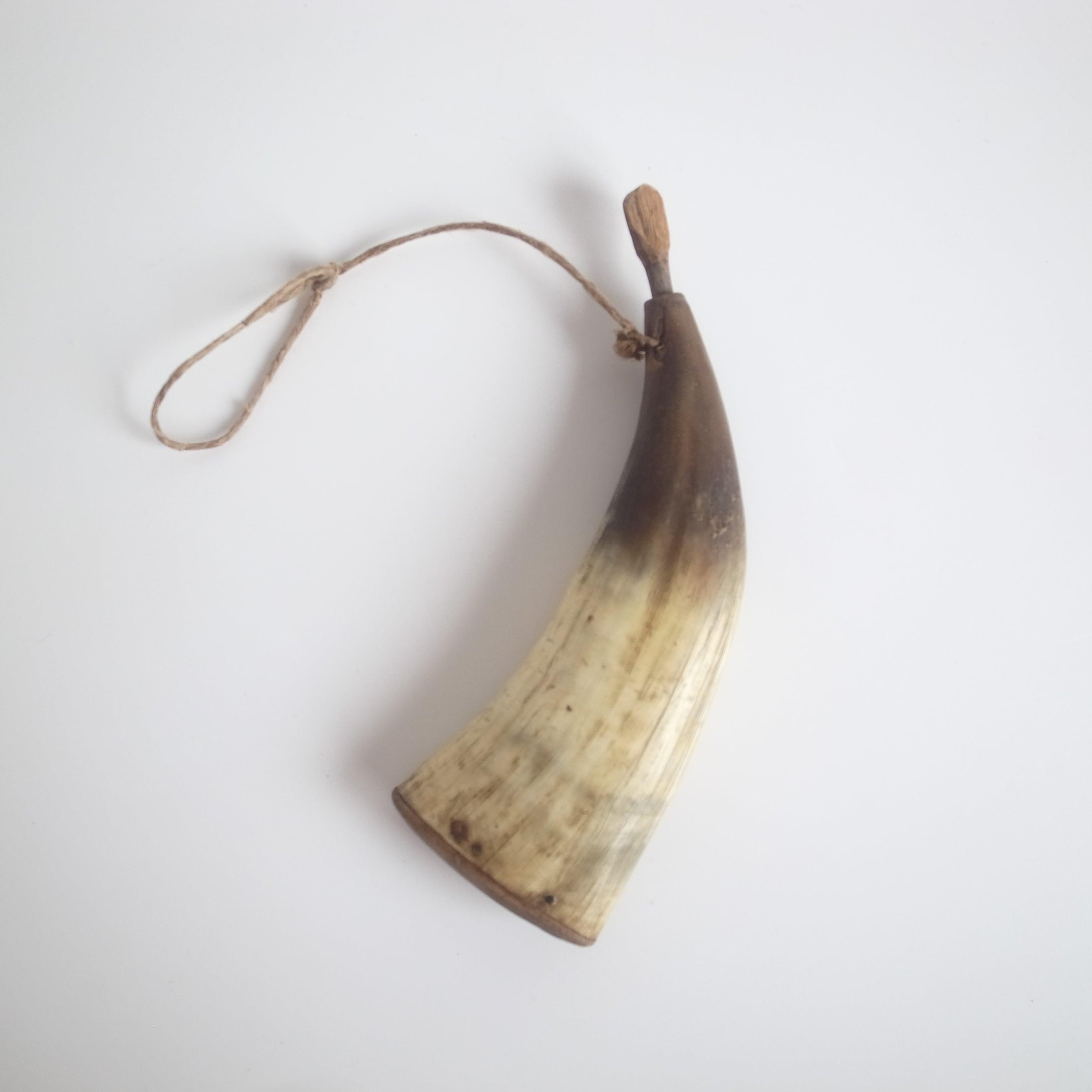 Horn powder flask