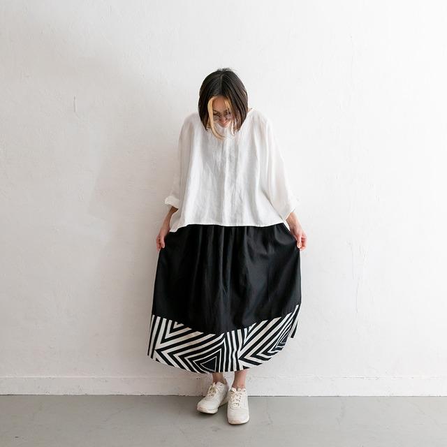 Rainbowfam x hanelca ギャザースカート(黒 x 万華鏡/墨)