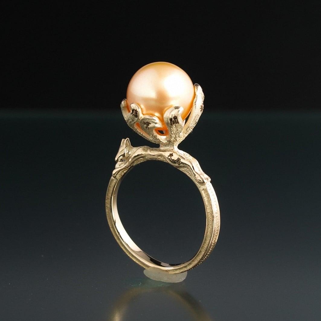 妖怪指輪 神獣 『 九尾の狐 』 10金イエローゴールド*南洋真珠