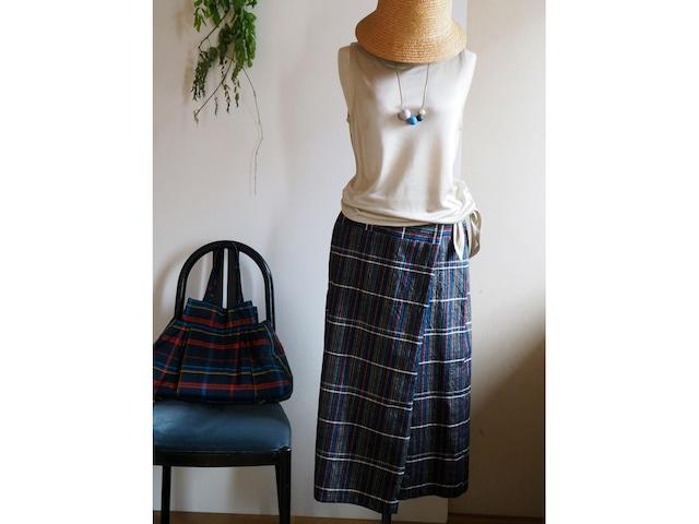 【受注制作】着心地が良くてきちんと感もある 多色格子の筒ラップスカート -- 正絹紬の着物から