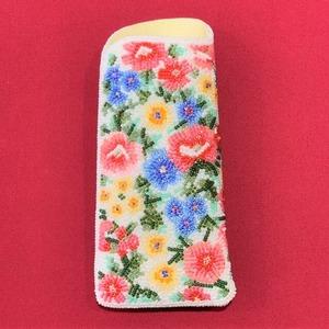 眼鏡ケース081白紺花柄ビーズ刺繍