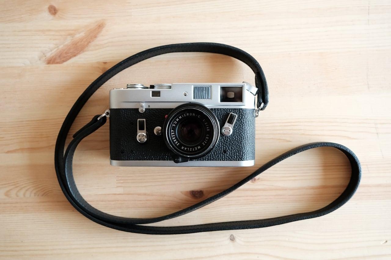 Leica(ライカ)用の革のカメラストラップ