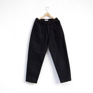 HATSKI Stitch Loose Tapered Trousers Katuragi Black