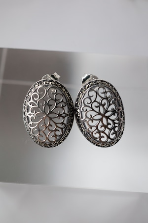 Staring Silver Lace Earrings