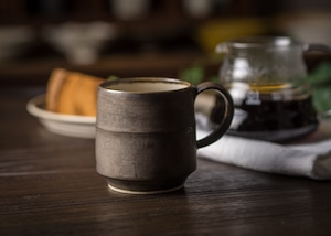 掛分けマグカップ(外茶内白)(コーヒーカップ)/鈴木美佳子