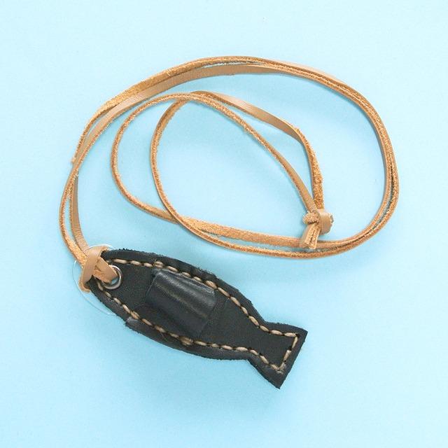 《魚》メガネホルダー ネックレス ペンホルダー フィッシュ Live in perfect union Leather タイ製 輸入雑貨