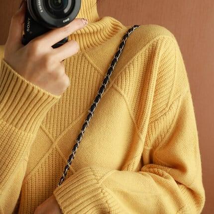 ダイヤ柄編みのシンプルだけど綺麗なセーター