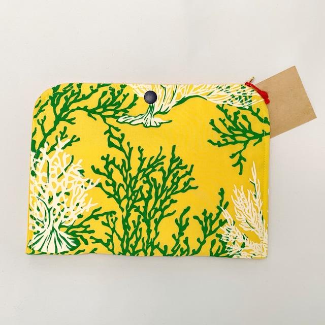 【一点ものにつき無くなり次第終了】T's gallery original カードが仕分けしやすいバッグインバッグ ハワイアンハンドメイド イエローサンゴ