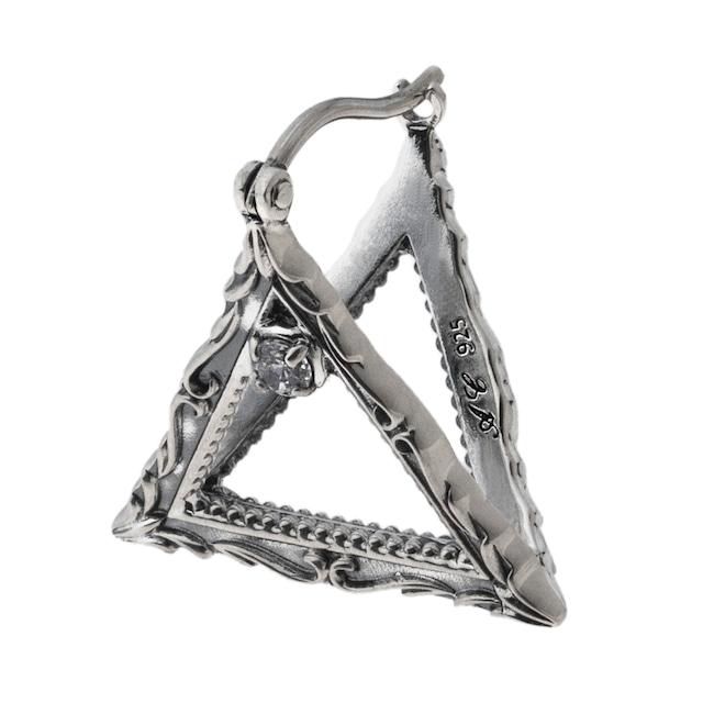フレームトライアングルピアス ACE0176 Frame triangle earrings