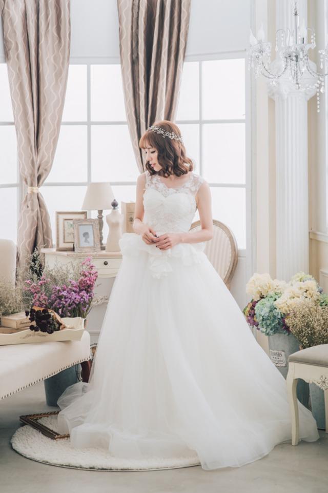 ウエストはフリルでかわいく♪背中が大人可愛いウェディングドレス (挙式 結婚式 持ち込み ウェディング)