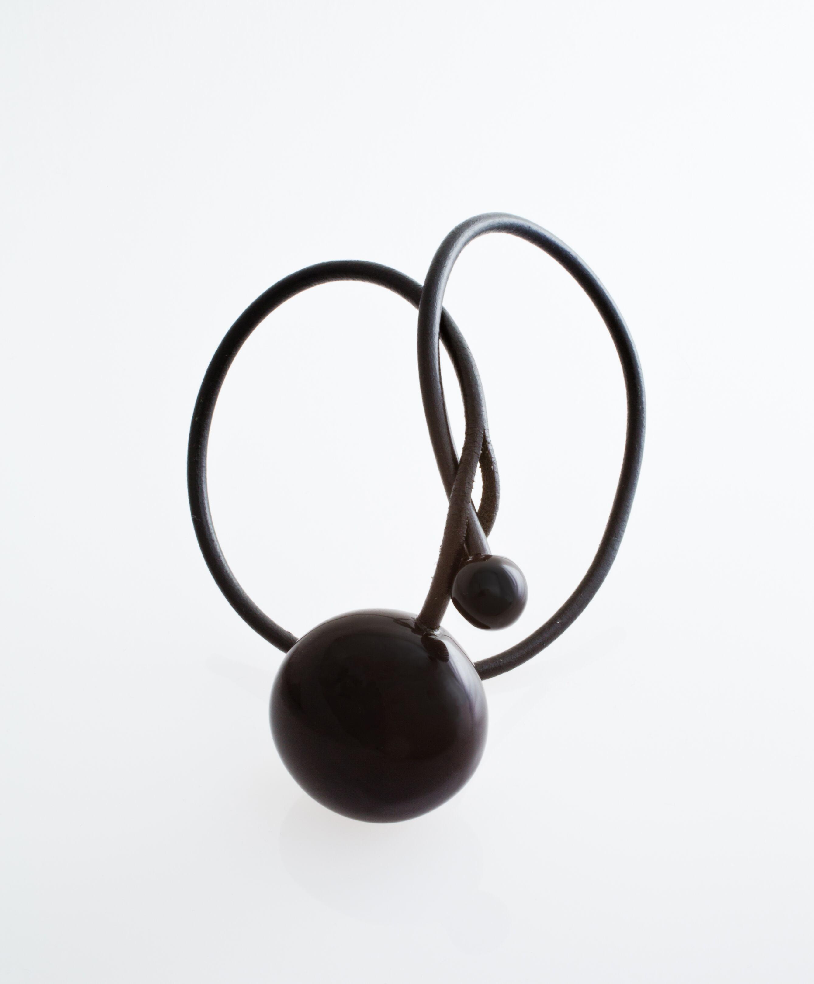 Gevole ネックレス Noir/黒