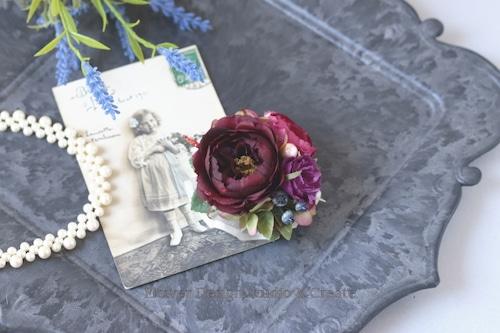小さなボルドーの薔薇のコサージュ(ヘッドドレス可) 結婚式 フォーマル お洒落 パーティ ママコーデ 薔薇 結婚式