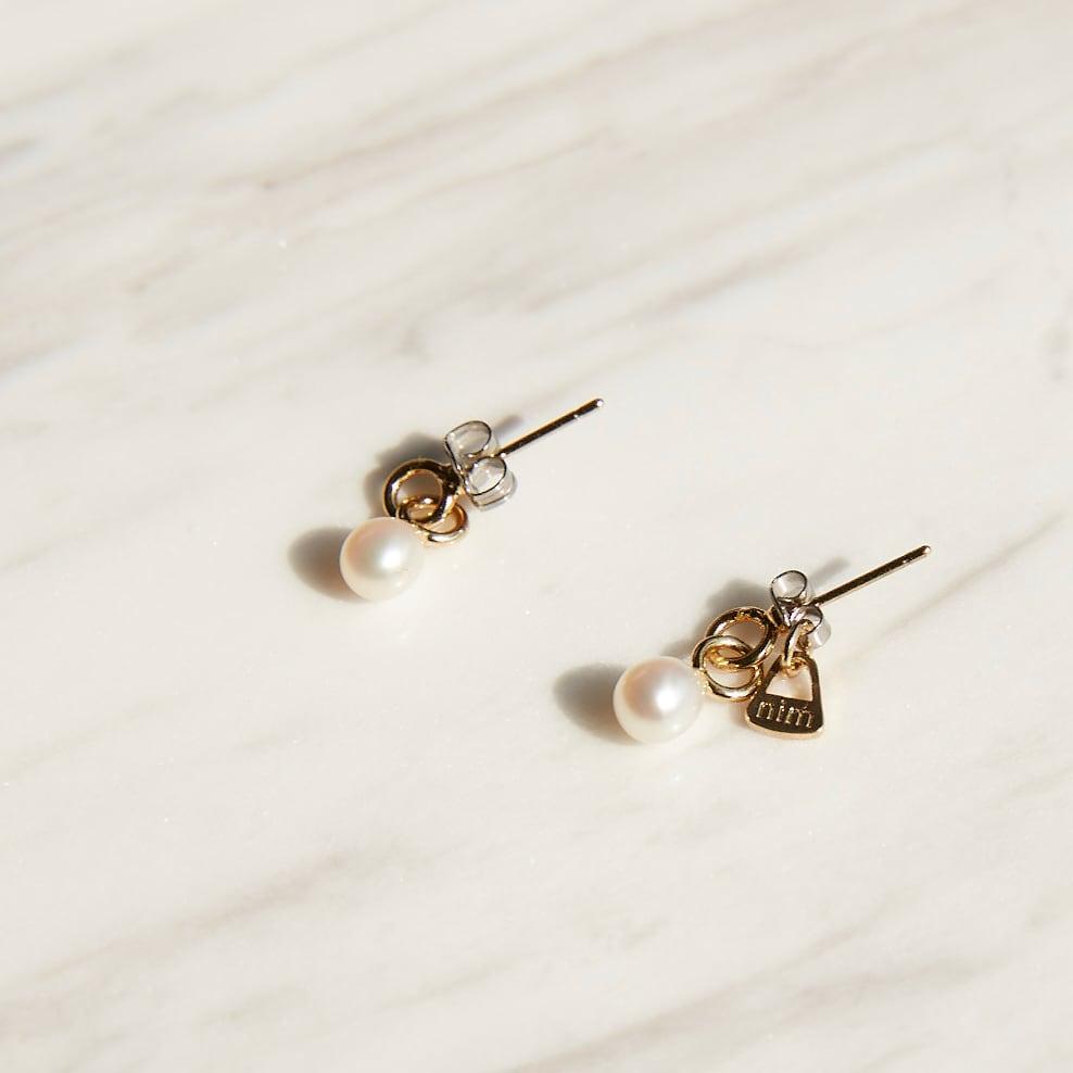 nim-11 Pierced earring