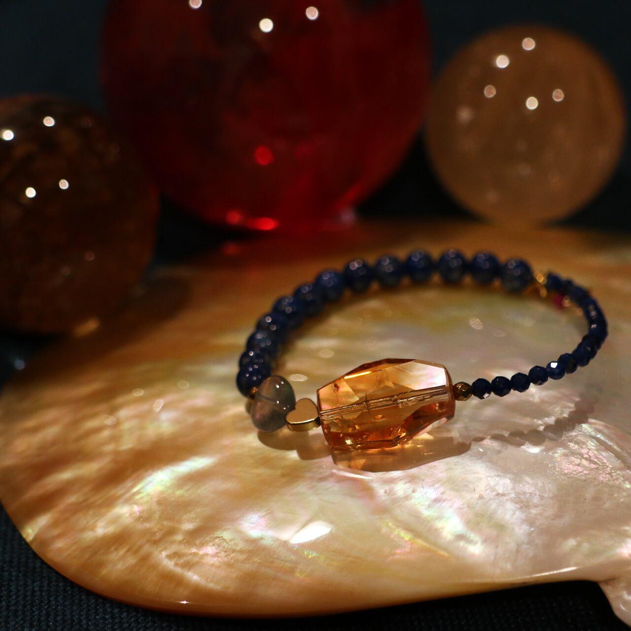 【COSMIC BLUE】ラピスラズリ×天然シトリン ハーフブレスレット【ゴールド】