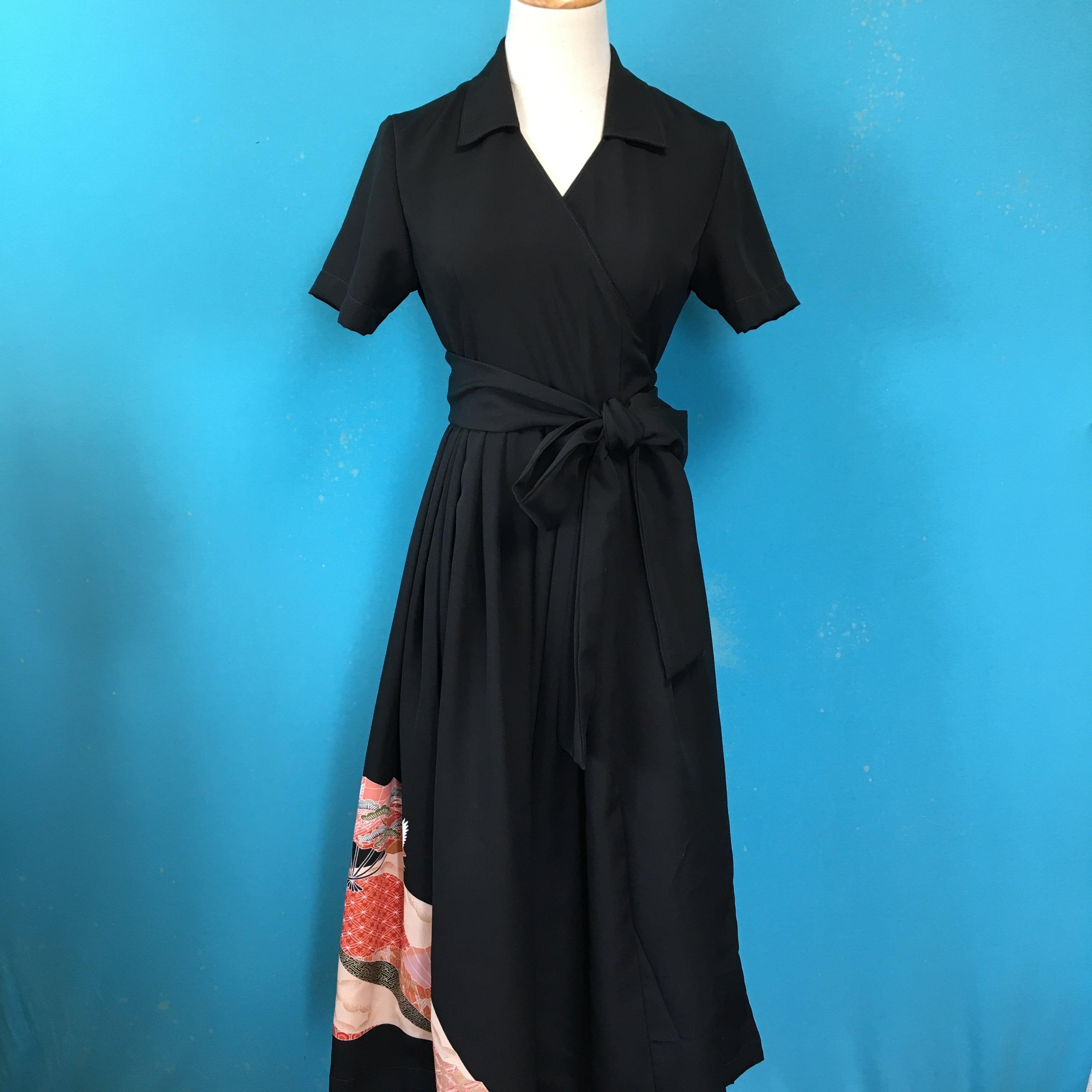 Vintage black kimono wrap dress/ US 6, gorgeous embroidery