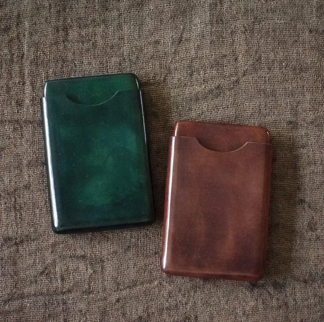 フィレンツェの伝統的製法を用いた縫い目のないスリムカードケース / col tempo 土居祥子