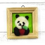 【tomo33panda】りんごを「どーぞ」のパンダさん/羊毛フェルト