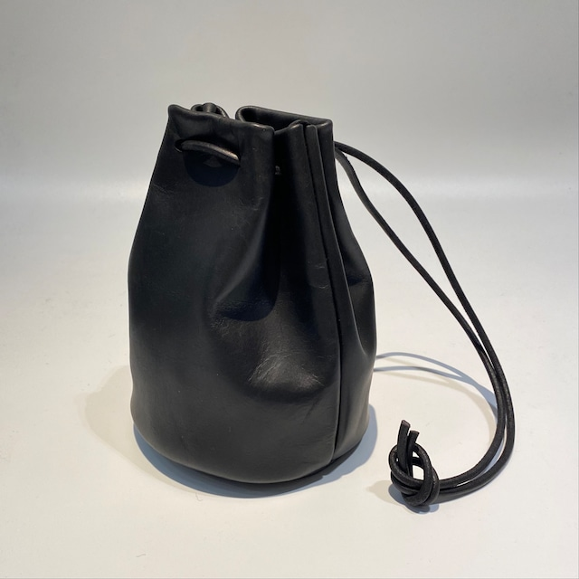 MORMYRUS【モルミルス】MORMYRUS Leather kinchaku (M−077 COL:BLACK)
