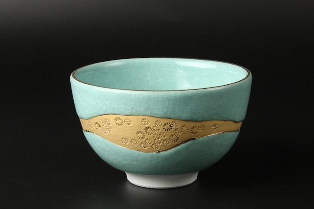 氷裂茶碗<ヒワ金彩> 清水焼