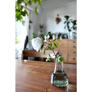 北欧風ガラスの花瓶 098-22572