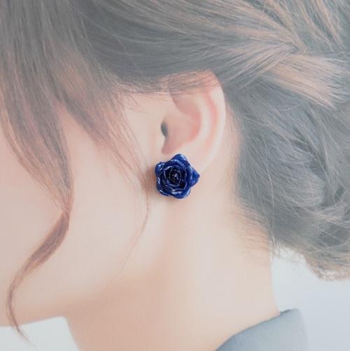 バラのイヤリング・ピアス【ブルー】 バラ好きさん・小さい花・青・プレゼント・バレンタインに