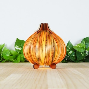 「オニオン(ゼブラ)」木製フロアランプ