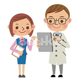 イラスト素材:タブレットを使いながら会話する医者と医療事務スタッフ(ベクター・JPG)