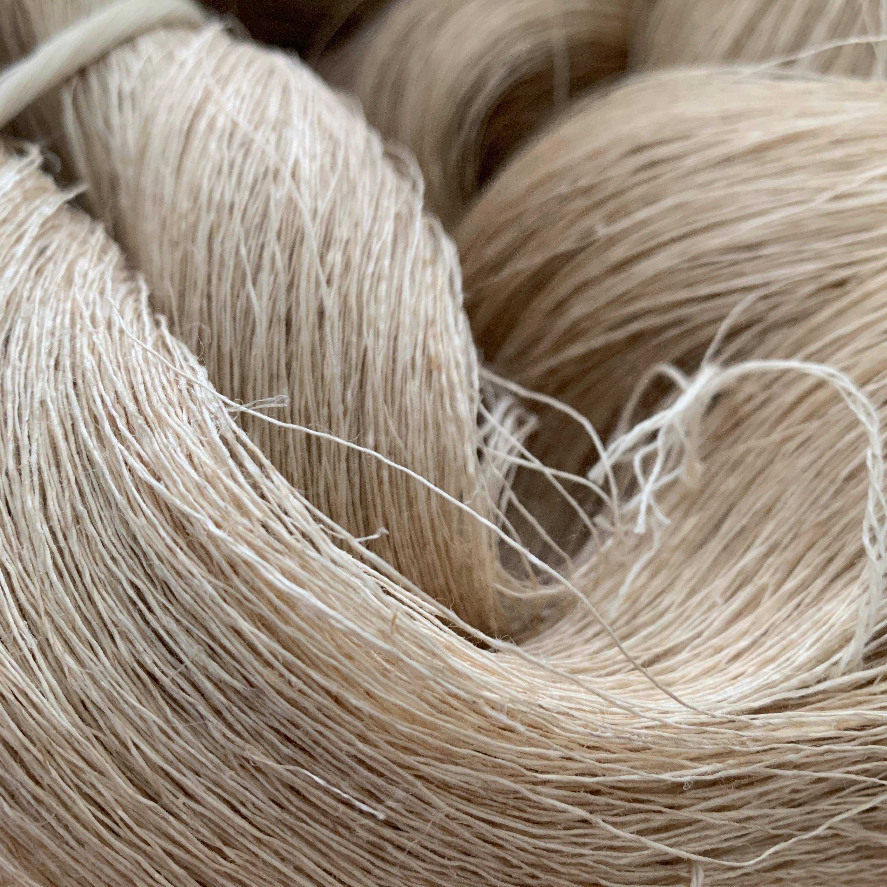 【受注発注品】イタリア産高級ヘンプ ナチュラル カセ売り単糸(約200g)