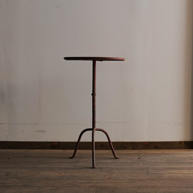 #03-12 old iron table