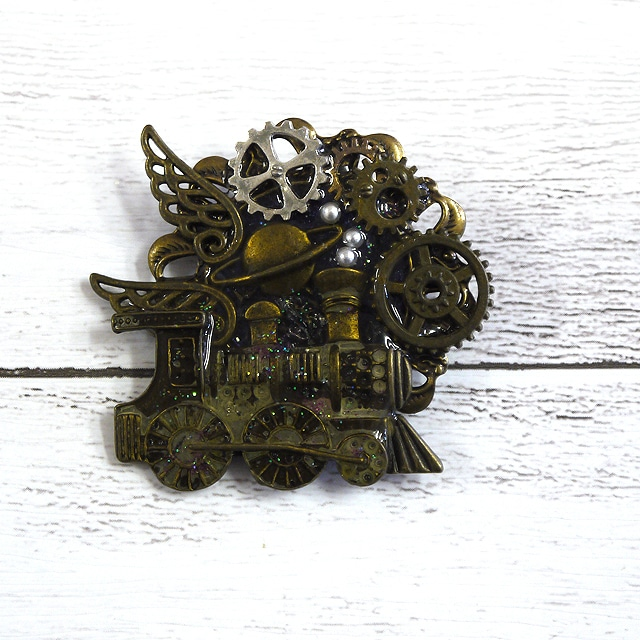 【quatre feuilles】機関車と歯車のブローチ/ブローチ