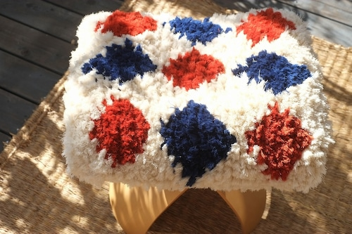 【佐藤さんのノッティング】 ◆ー手織りの椅子敷きー  ◆ 46.