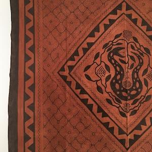 カット大判148x146cm-茶16 ダイヤ蛇 アマゾンシピボ族の泥染め 天然染め アヤワスカ