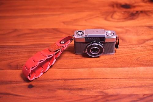 folklole mini / Hand Strap #10【ウロコのようなカメラストラップ】