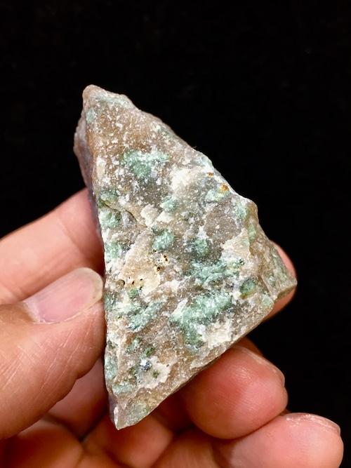 4) ナンドライト  原石