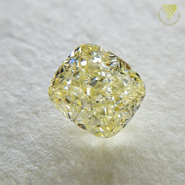 0.55 ct FANCY LIGHT YELLOW IF GIA  天然  イエロー ダイヤモンド クッション シェイプ