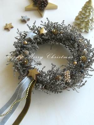 星の宝石を散りばめた聖夜のクリスマスリース