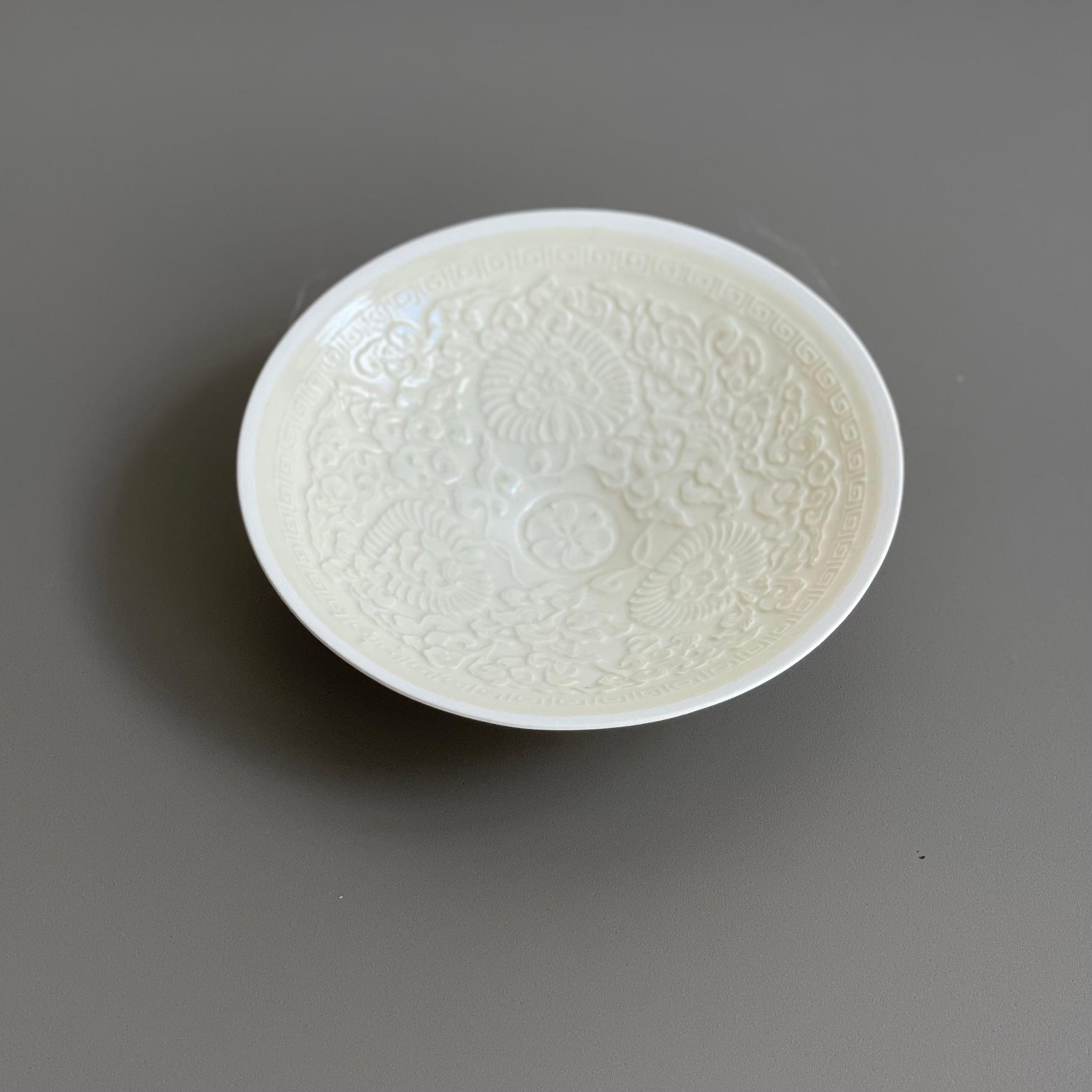 原田譲  定窯写白瓷印花菊紋笠式碗