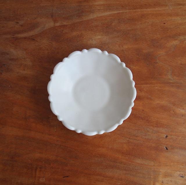 橋本尚美|小皿フリル 白