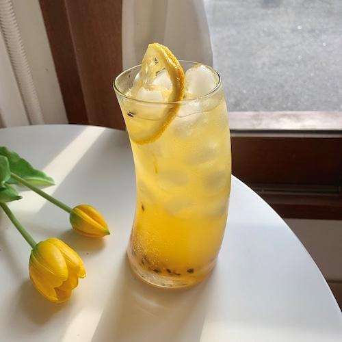 banana glass cup 495ml / バナナ グラス コップ 韓国 北欧