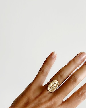 Gold oval coin ring / Mary    OBH-24