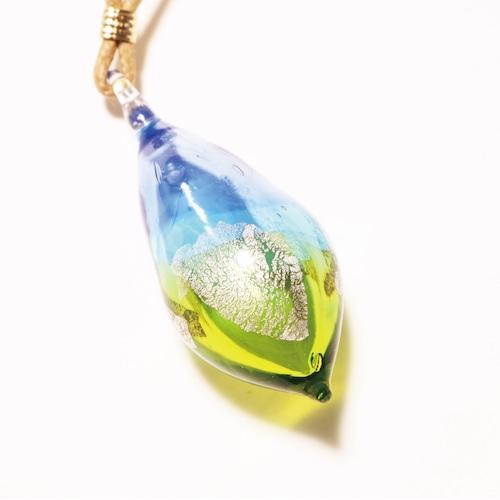 硝子のアロマペンダント <Blue & Lime>(銀箔入り)