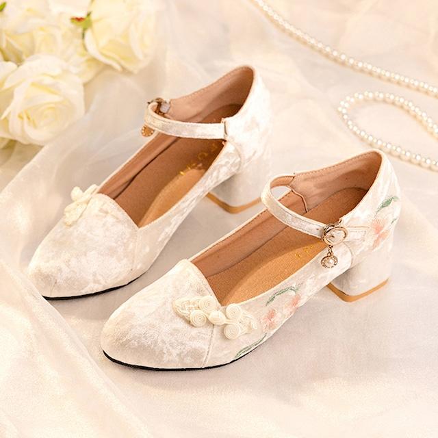 【雲端之履シリーズ】★刺繍靴★ ベルベット チャイナ靴 ベージュ サイズ35-40 中華服と合わせやすい