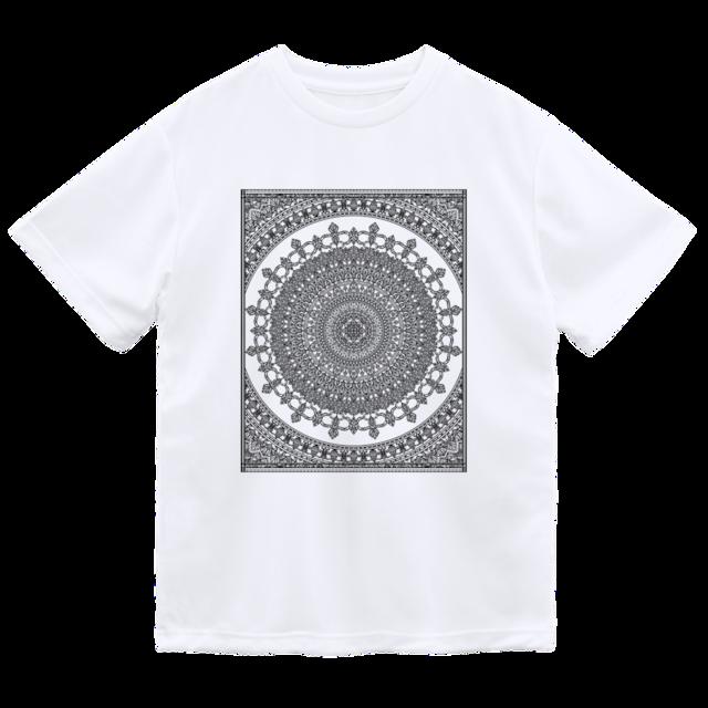 スクウェアマンダラ フロントプリント ドライメッシュTシャツ