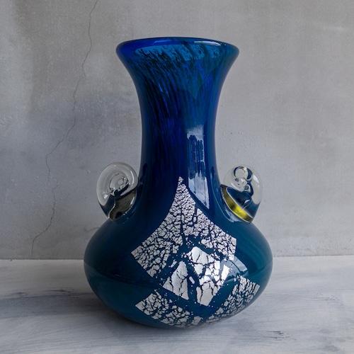 青い銀箔の壺