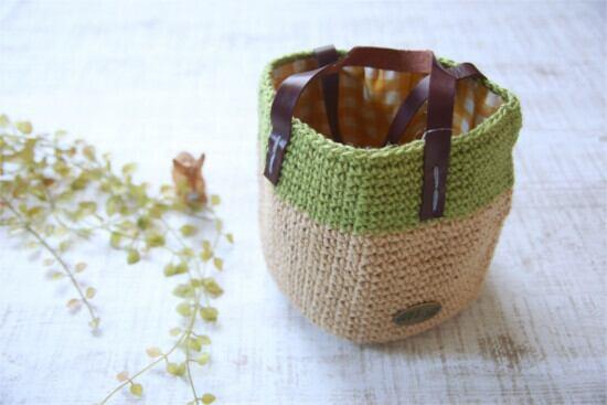 手編みの丸底バッグ*麻 ナチュラル×グリーン/sakura 型番:B-15ナチュラル×グリーン
