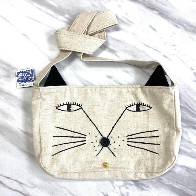 emoemo 猫型サコッシュ マチあり マグネットフック付き 25x16x3.5cm EMB010